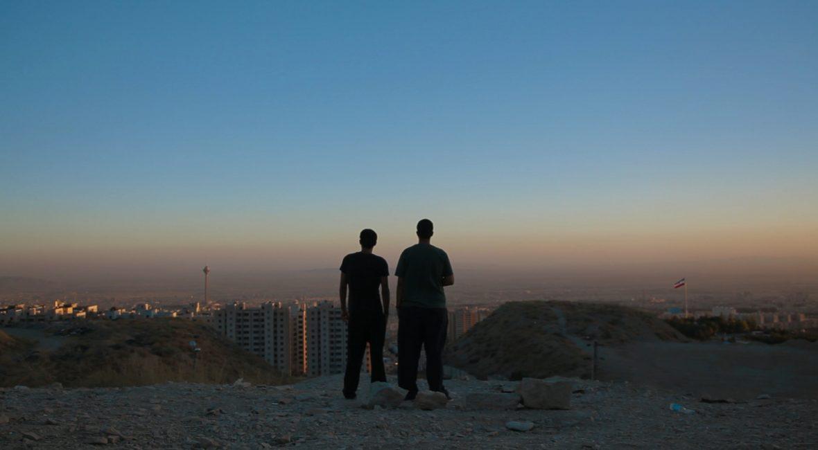 Die befreundeten DJs Anoosh und Arash blicken auf ihre Heimatstadt Teheran