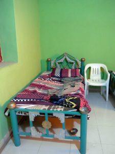 Sudan: Homestay bei Tombosa - die verzierten betten sind allgegenwärtig