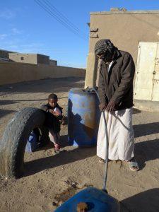 Sudan: Tanken beim Bauern