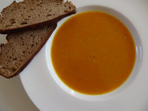 Karottensuppe mit Kardamom