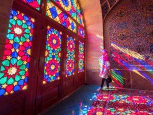 Farbenspiel beim Sightseeing inIran